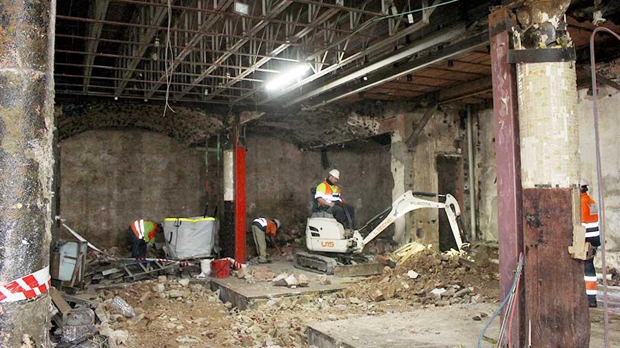 Demolición mecánica en Barcelona