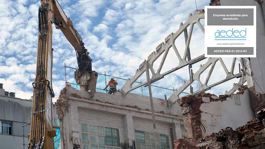 Derribos y demoliciones acreditados