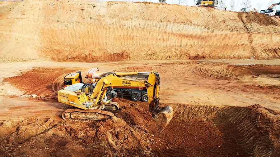 Excavació i moviment de terres a Esplugues