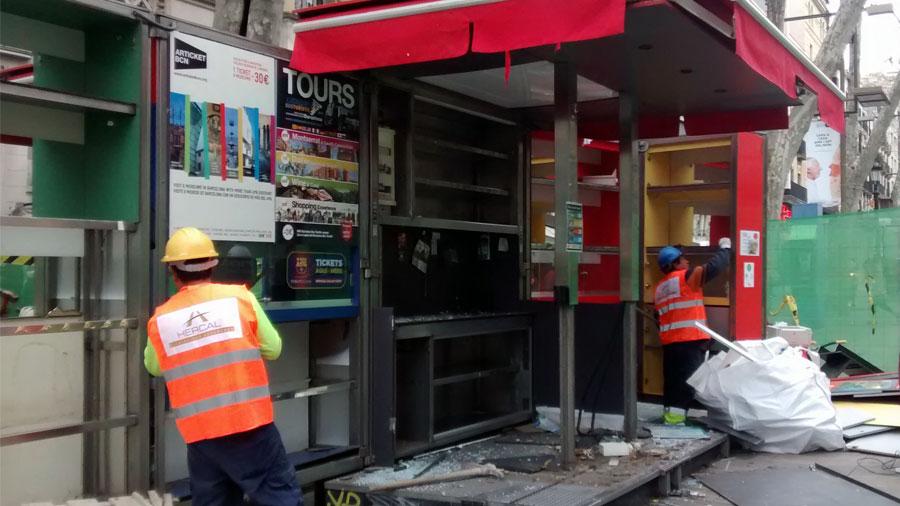 Enderroc De Punt D'informació A Les Rambles De Barcelona