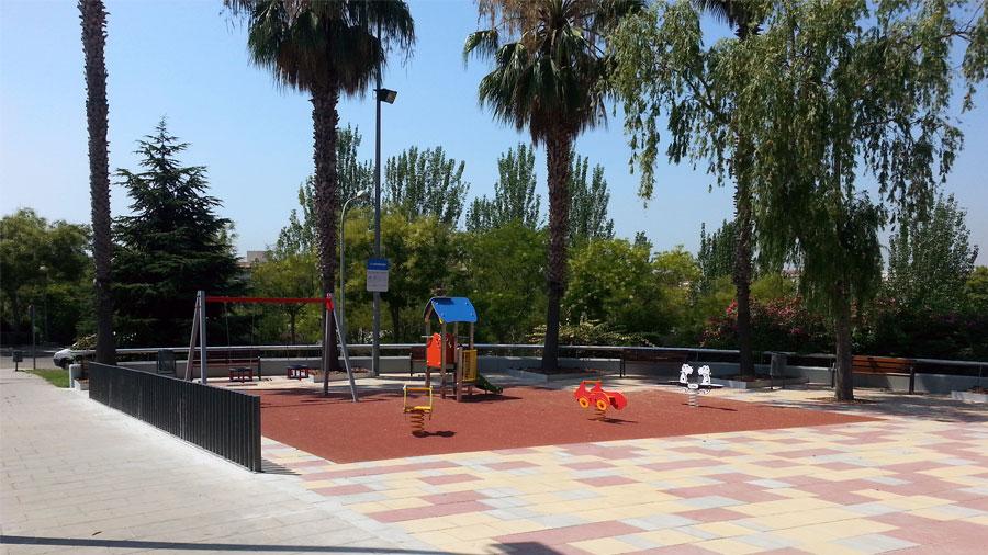 Plaza Frente A La Iglesia De Pomar, Badalona