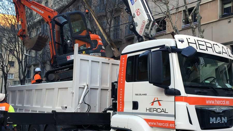 Maquinaria propia para demoliciones, excavaciones y movimiento de tierras