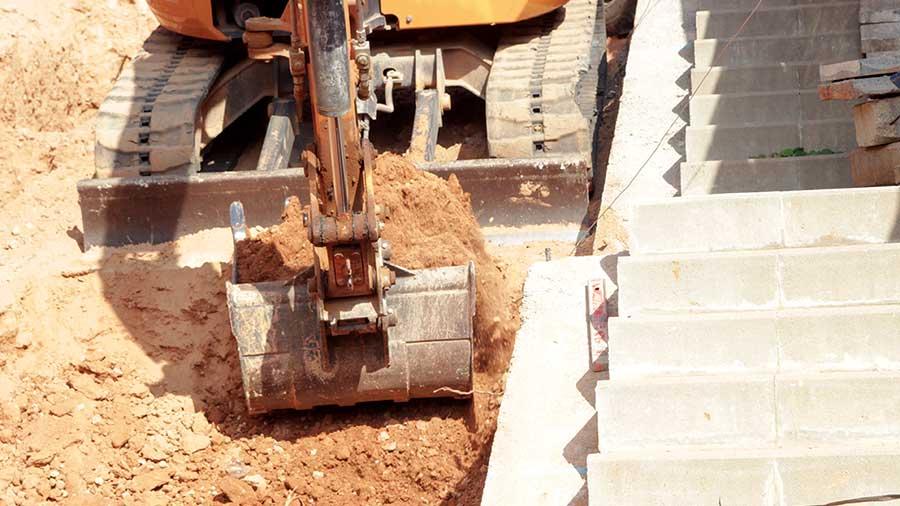 Las Obras De Urbanización De Las Rampas Peatonales En Cornellà Avanzan Según Lo Previsto