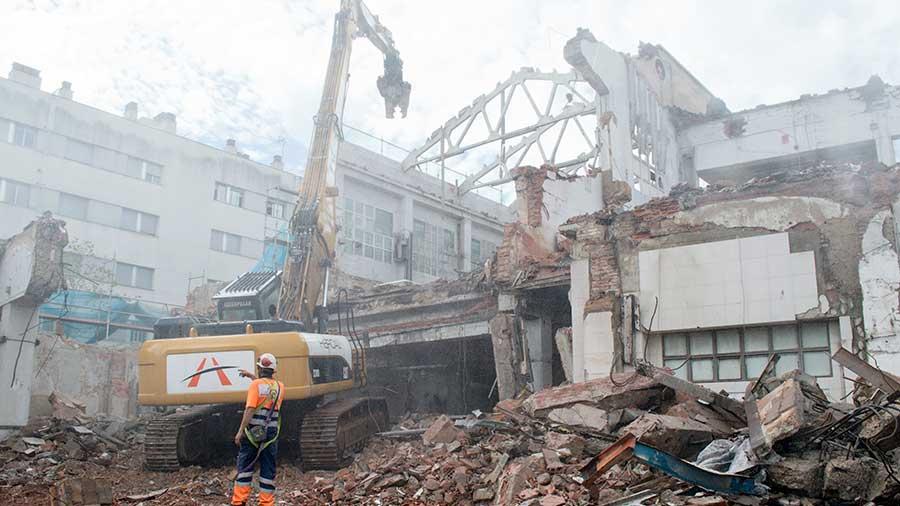 Enderrocs demolicions mecàniques