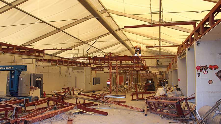 Demolició manual mercat provisional La Florida