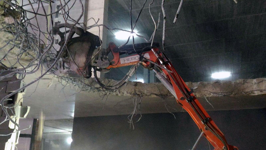 Robot De Demolición Husqvarna 270DXR: Eficiencia Y Alto Rendimiento