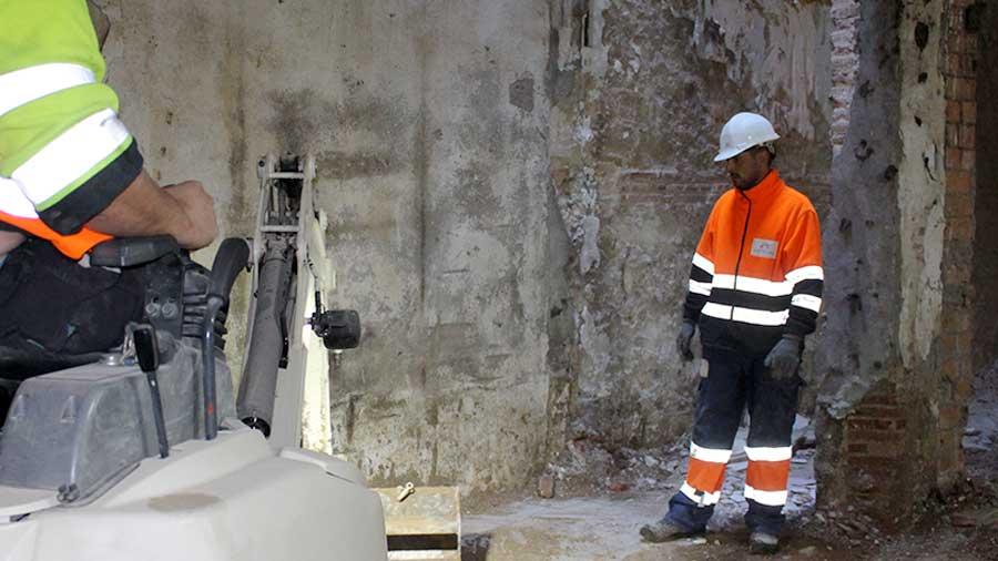 Demolicion mecánica en Barcelona