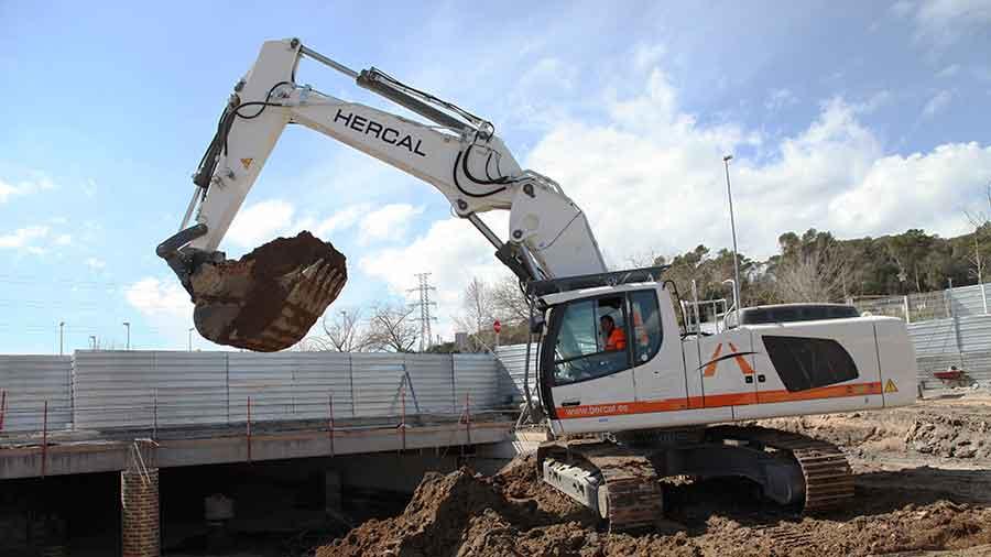 Excavadora De Cadenas Liebherr R946