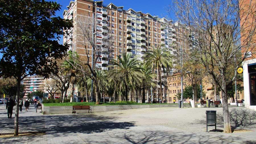 Reurbanización de la plaza de los Jardines de Elche, en el barrio de Sant Andreu