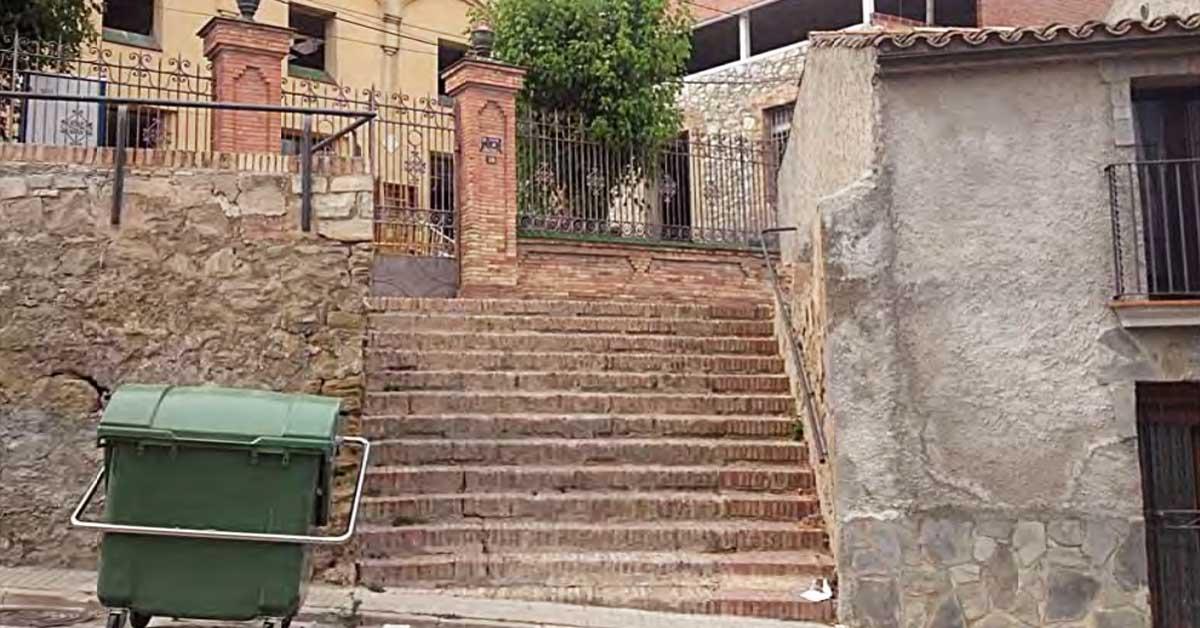 Una Escalera En Ódena Y Una Nave Industrial En La Zona Franca: Dos Nuevas Adjudicaciones